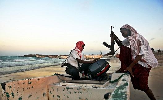 Photo of Somali dəniz quldurları tərəfindən girov götürülən bir iranlı 4.5 ildən sonra sərbəst buraxıldı
