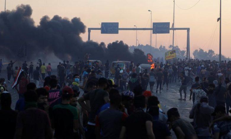 """Photo of İraqlı etirazçılar Kərbəlada """"Həşd Şəbi"""" mərkəzini yandırdılar"""