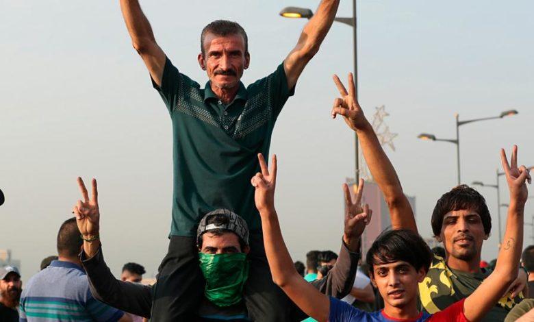 Photo of الإفراج عن جميع معتقلي احتجاجات البصرة في العراق