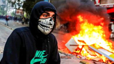 Photo of Солдаты, танки и кровь: как повышение цен на метро привело к массовым беспорядкам в Чили
