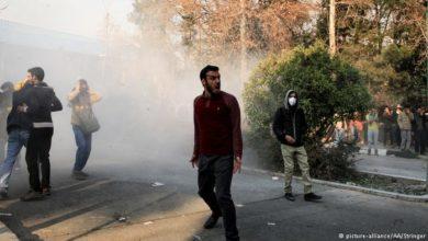 Photo of إيران.. احتجاج عارم على زيادة سعر البنزين لليوم الثاني على التوالي(فيديو)