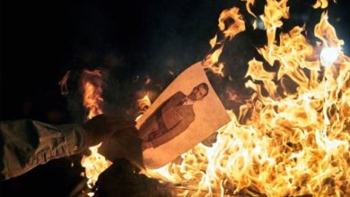 Photo of Протесты в Каталонии: в огонь бросают портреты короля Испании