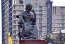 Photo of Şah İsmayıl Xətainin Bakıdakı heykəlinin yeri dəyişdirilir?