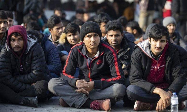 Photo of یونان ٢۵۰ مهاجر را پس از ضرب و شتم با اجبار به ترکیه بازگرداند