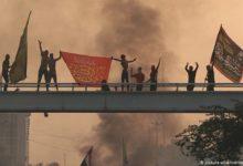 Photo of متظاهرو العراق يحرقون مقرات الميليشيات ويمزقون صور خامنئي وخميني