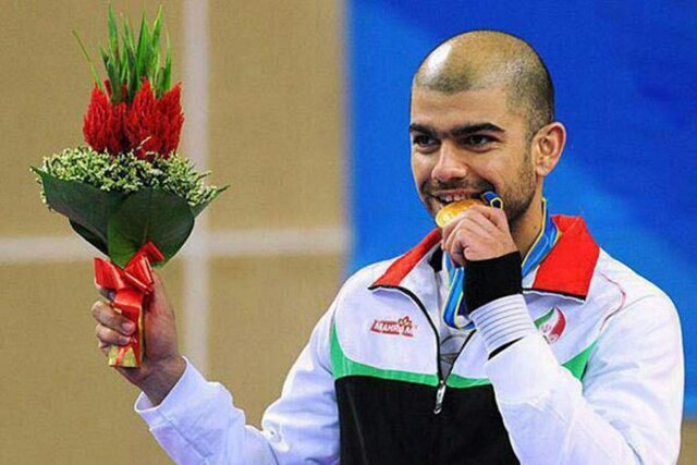 Photo of Yusif Kərəmi Olimpiya medalını satışa çıxardı