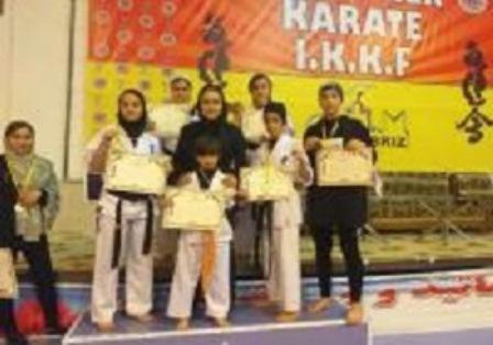 Photo of Meşkinin karateçi qızları 5 qızıl medal qazandı