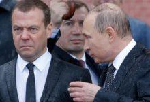 Photo of نخست وزیر روسیه استعفای خود را به پوتین تسلیم كرد