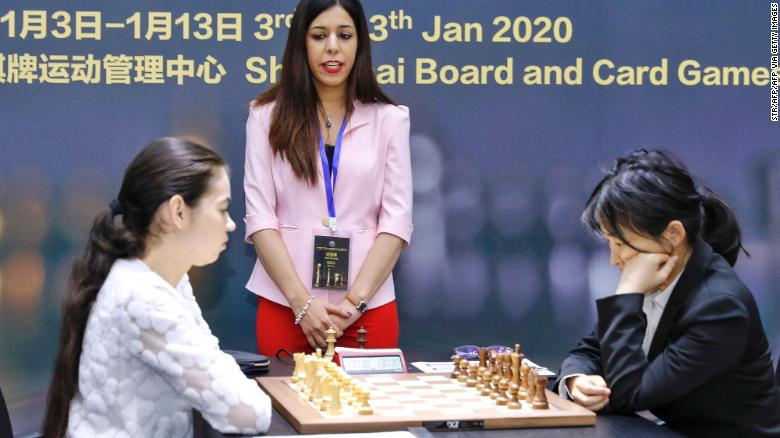 Photo of Iranian chess referee Shohreh Bayat remains scared to return home to her family over headscarf controversy
