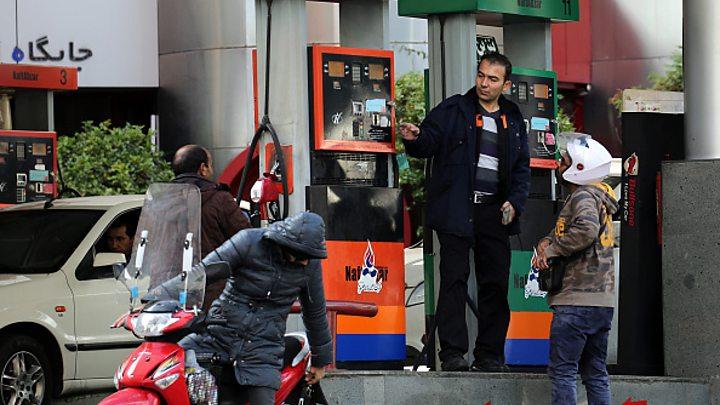 Photo of نقابة تجار المنتجات البترولية تحذر من إغلاق محطات الوقود في إيران