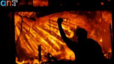 Photo of مقر پلیس مینیاپولیس در آتش؛ اعتراضات به کشته شدن یک سیاهپوست