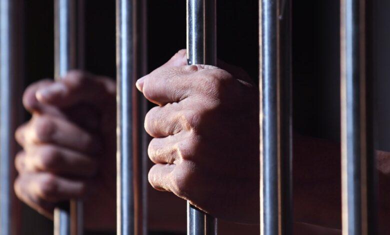 Photo of نیروی انتظامی از بازداشت ۱۴ نفر در ماهشهر احواز خبر داد