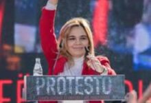 Photo of همسر رئیسجمهور در اعتراضات به تخریب ساختمان تئاتر در آلبانی بازداشت شد