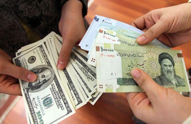 Photo of رقم قياسي جديد.. سعر الدولار في إيران يتجاوز 30 ألف تومان