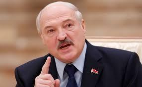 Photo of Lukaşenko iclasa əlisarıqlı gəldi