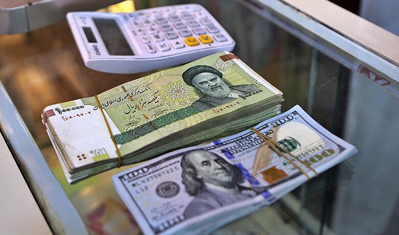 Photo of الدولار یقترب من عتبة الـ30 ألف تومان